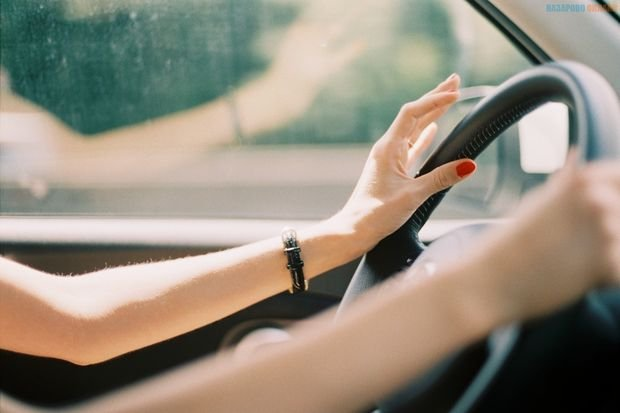 В России продажи автомобилей С-класса упали на 35%