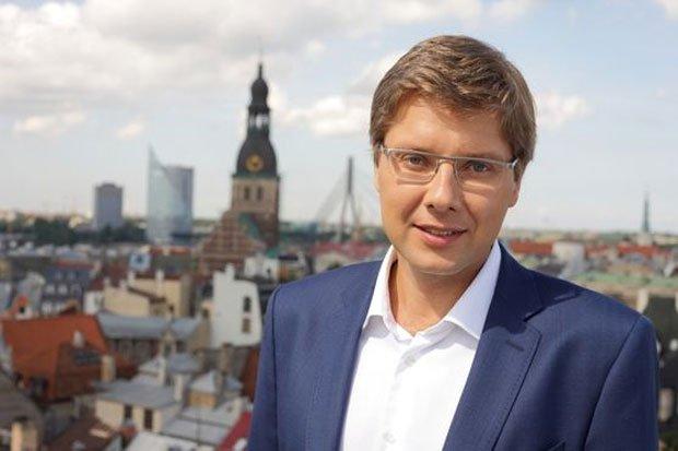 Мэр Риги оспорил штраф за русский язык в соцсетях