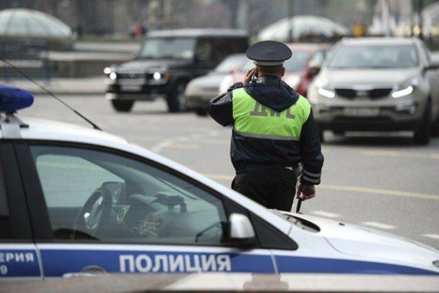 Полицейские в ХМАО со стрельбой поймали лихача на «Жигулях» и его пьяную подругу