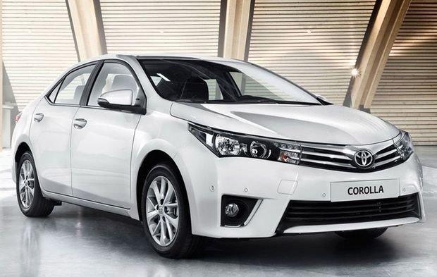В России стартовали продажи обновленного седана Toyota Corolla