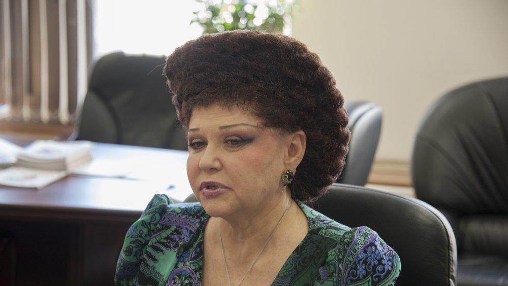 Сенатор Петренко поделилась секретом прически