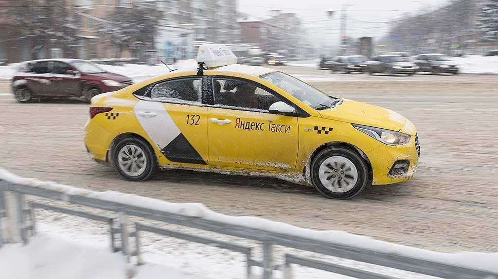 Российским таксистам запретили иконки и четки