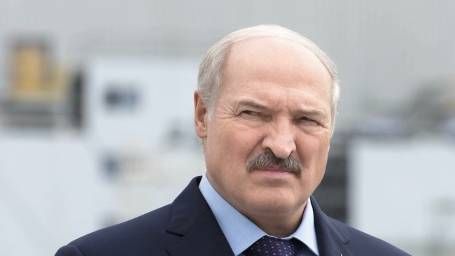 Нахамившего Путину Лукашенко предупредили о войне