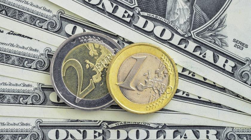 Доллар и евро резко обвалились