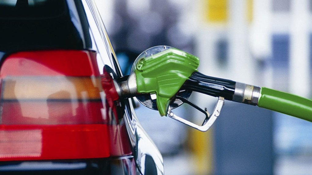 Россиянам пообещали бензин за 50 рублей