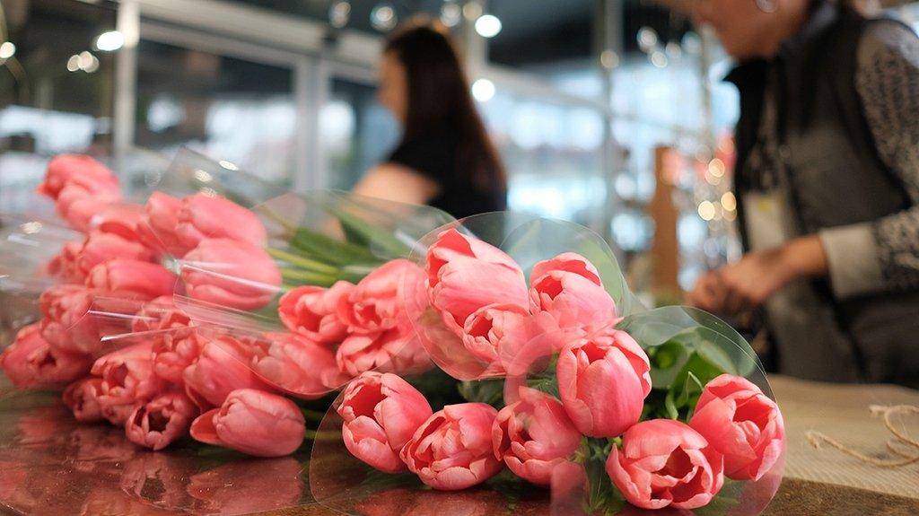 Секреты флористов: о чем не расскажут продавцы цветов накануне 8 марта