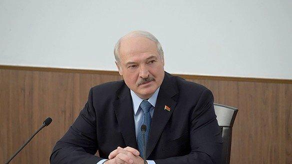 Отказавшийся признать Крым Лукашенко получил оплеуху от Путина
