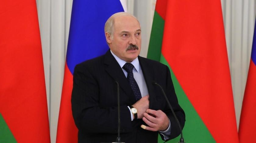 Загнанный в угол: Лукашенко решится на досрочные выборы