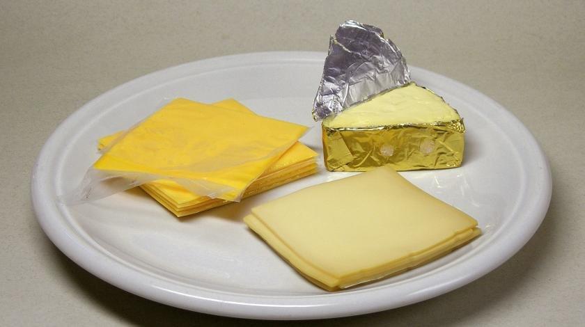 Крахмал и говяжий жир: что содержится в плавленом сыре