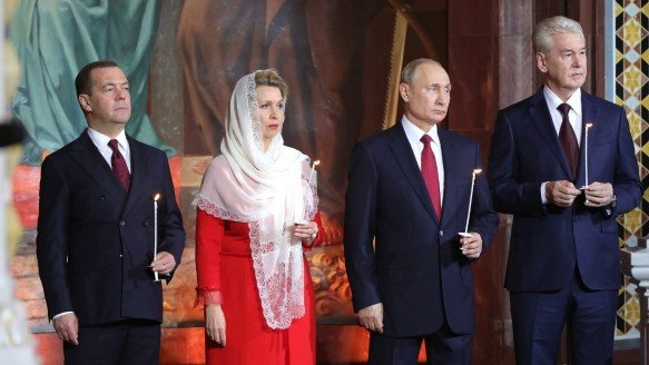 Подтянутый Путин в церкви свел с ума злобных украинцев