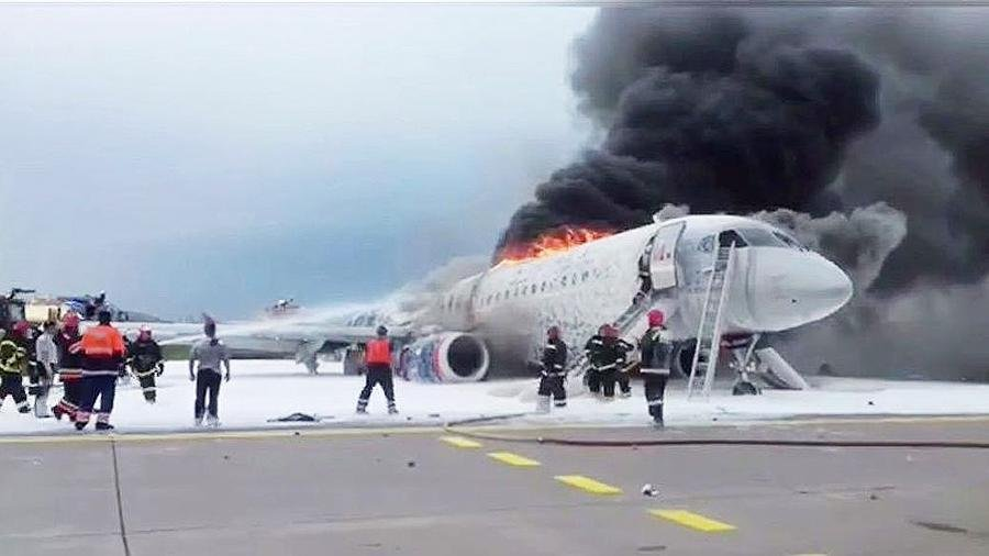 В самолет ударила молния: шокирующие подробности катастрофы в аэропорту Шереметьево