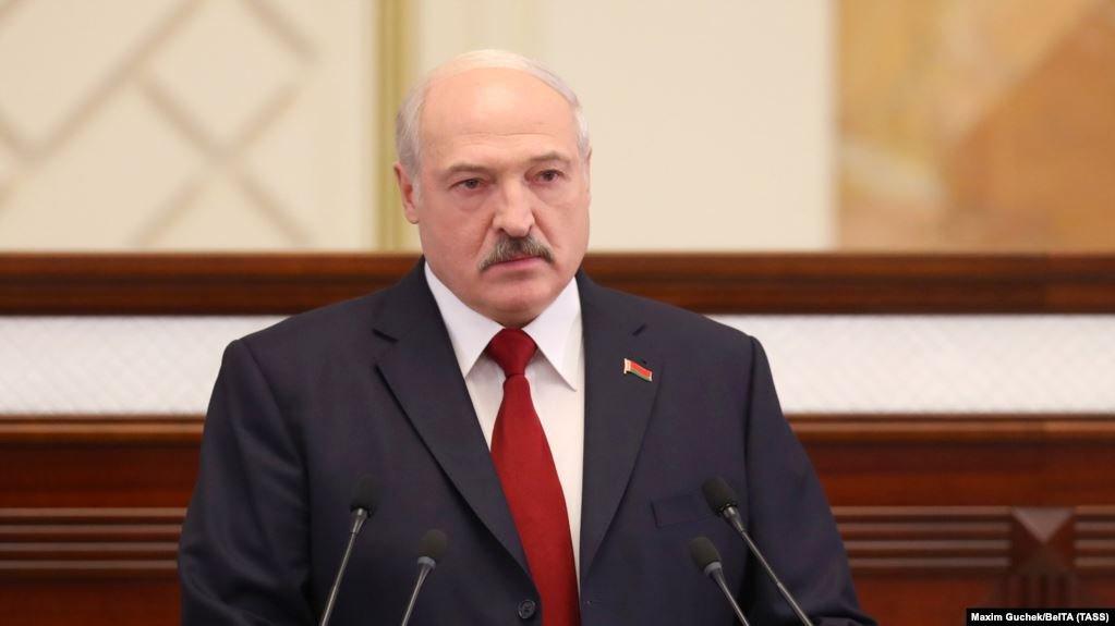 Лукашенко резко поменял планы после нападок на Путина