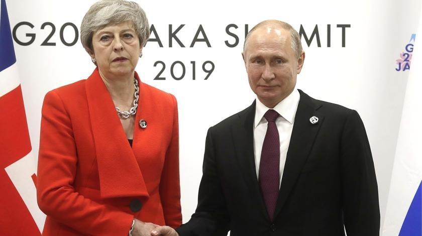 Уходит со скандалом: Мэй накинулась на Путина в прощальной речи