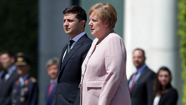 В Германии заговорили об отставке Меркель из-за приступов