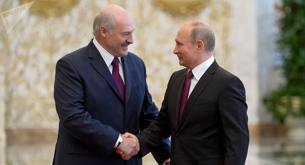 Двуличный Лукашенко заискивал перед Путиным на Валааме