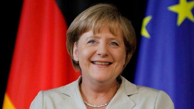 Почему трясет Ангелу Меркель: возможные причины тремора канцлера Германии
