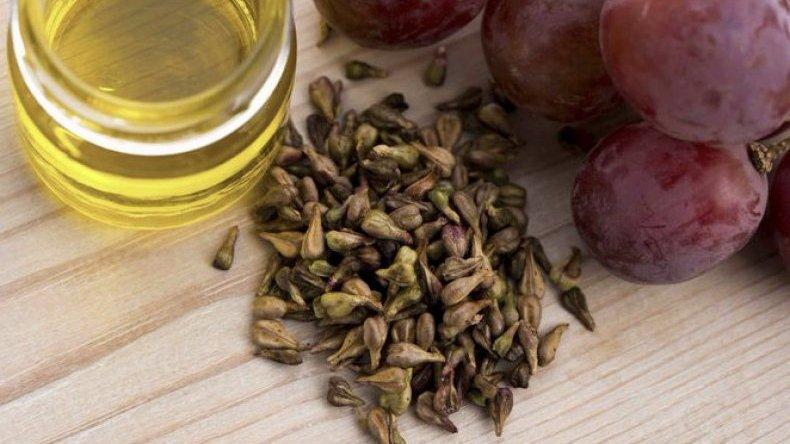 Зачем глотать виноградные косточки