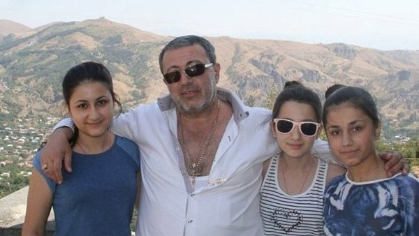 Сестер Хачатурян признали жертвами насилия со стороны отца
