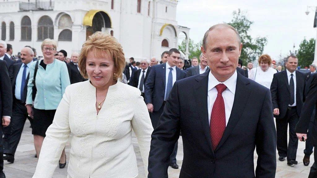 Бывшая жена президента Людмила Путина после развода активно зарабатывает и тратит деньги