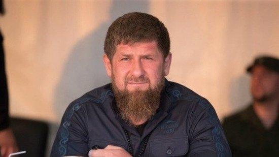 Необходимость десятков машин в кортеже Кадырова объяснили