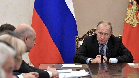 Путин пришел в негодование из-за продолжающегося воровства на космодроме