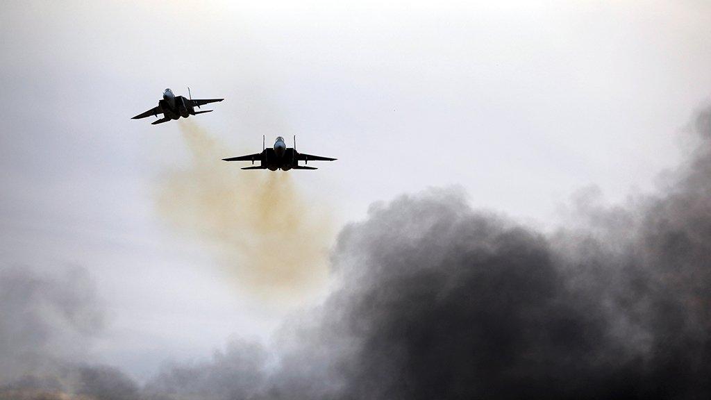 Армия Израиля заявила, что атаковала в Сирии десятки объектов