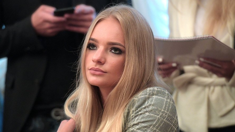 Дочь Пескова намекнула на свадьбу