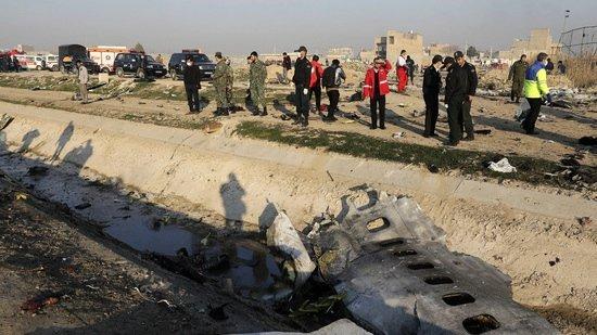 Эксперт выдвинул неожиданную версию крушения самолета в Иране