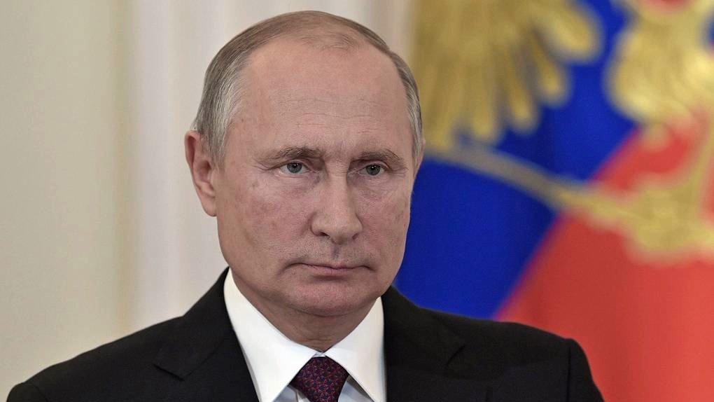После слов Путина о зарплатах чиновникам осталось только молиться