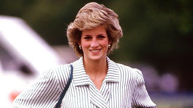 Маленький секрет леди Ди: почему принцесса всегда прижимала клатч к груди