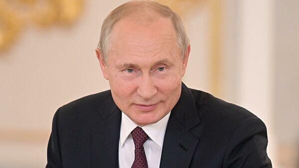 Путин пообещал выйти на балкон и спеть «День Победы» 9 мая