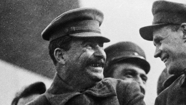 Сталин отменил праздник 9 Мая спустя три года после Победы. Чего и кого он боялся?